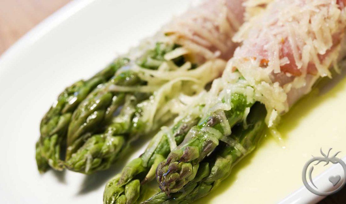 Asparges, skinke og parmesan