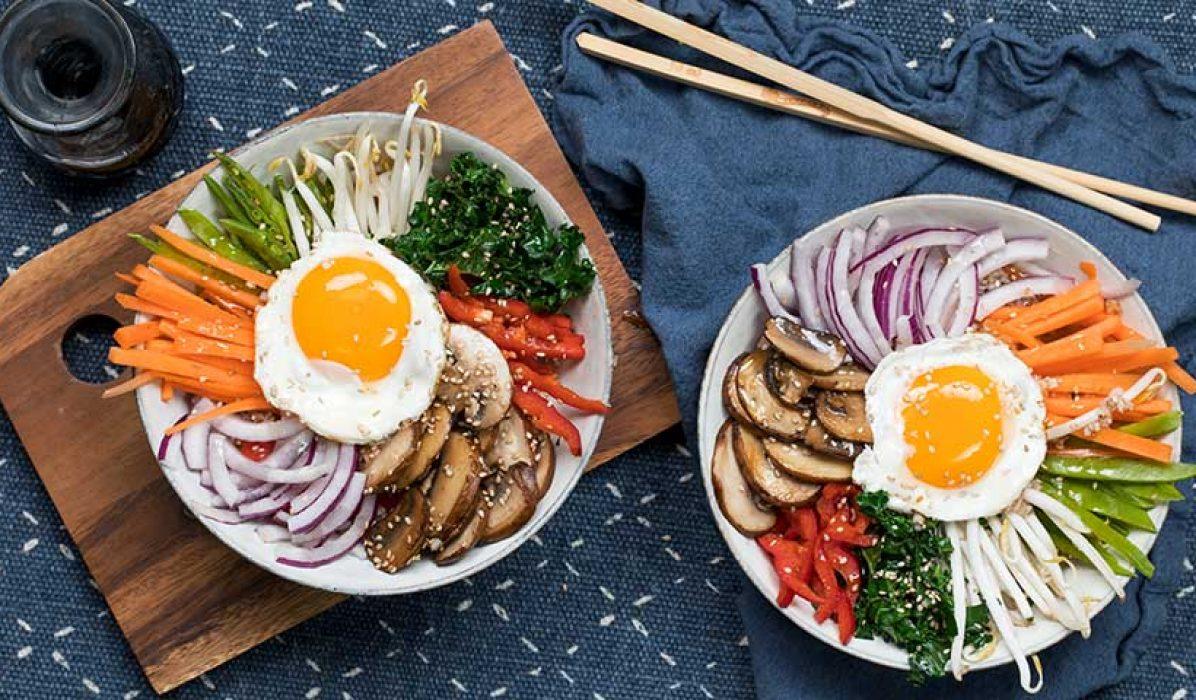 Bibimbap med gronnsaker og egg
