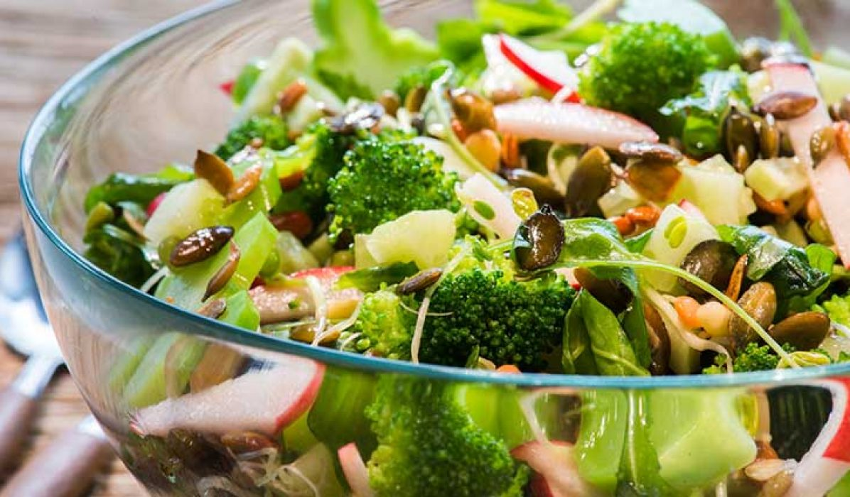 Brokkolisalat-med-spirer-1