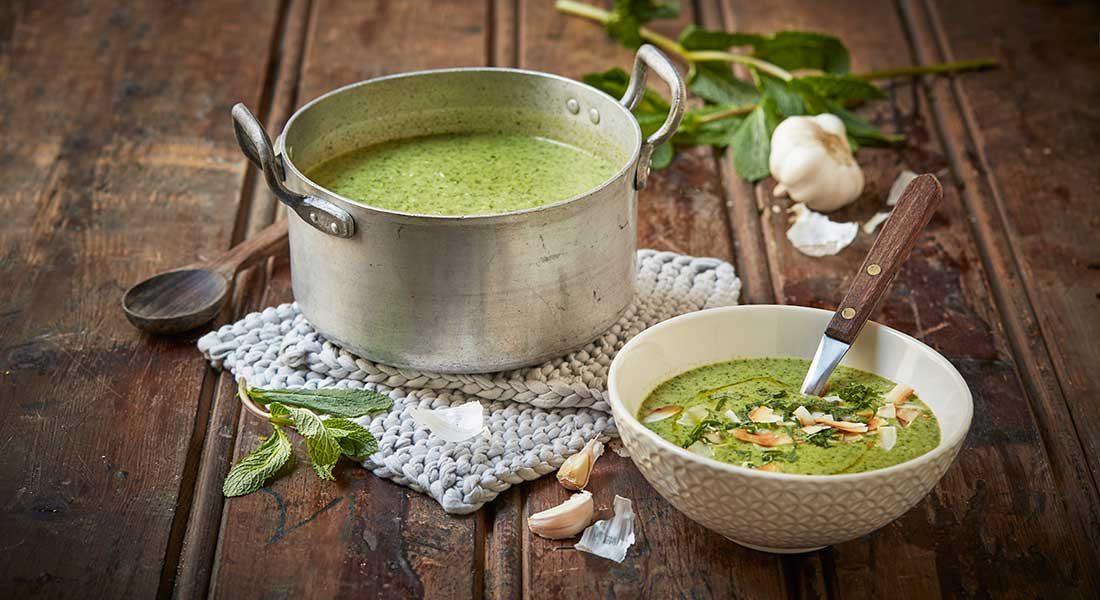 Brokkolisuppe-med-grønn-curry