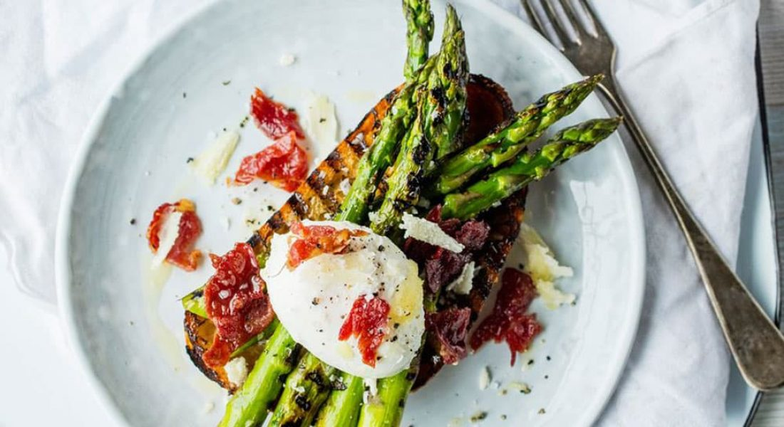 Bruschetta med asparges og bacon
