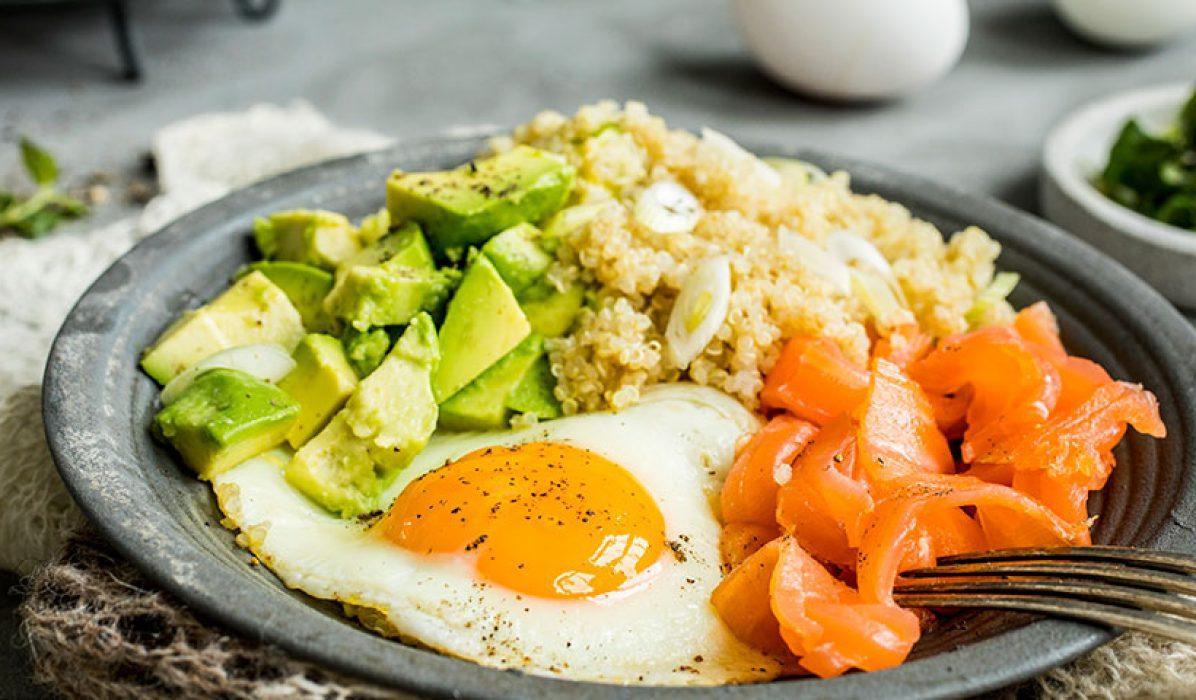 Frokosttallerken med quinoa