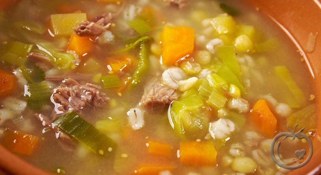 Grønnsaksuppe-med-kjøtt