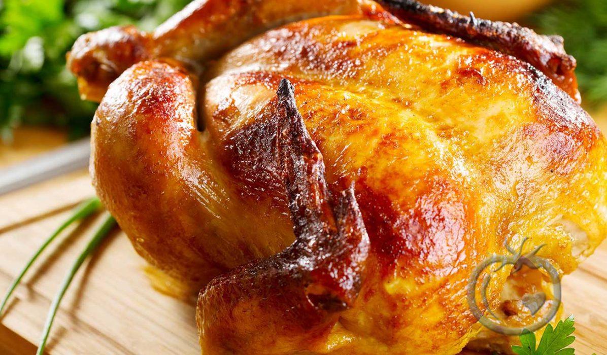 Helstekt-kylling-med-urter-og-sitron