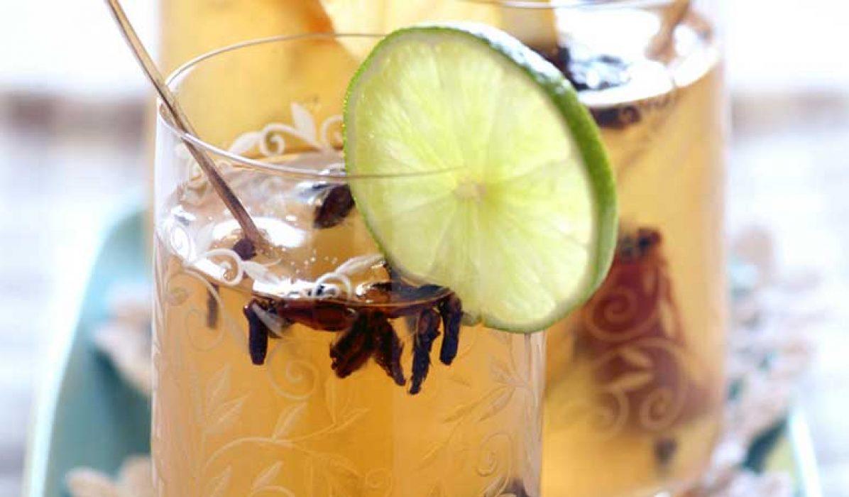 Hjemmelaget-sitrusgløgg-med-hvitvin-1-1