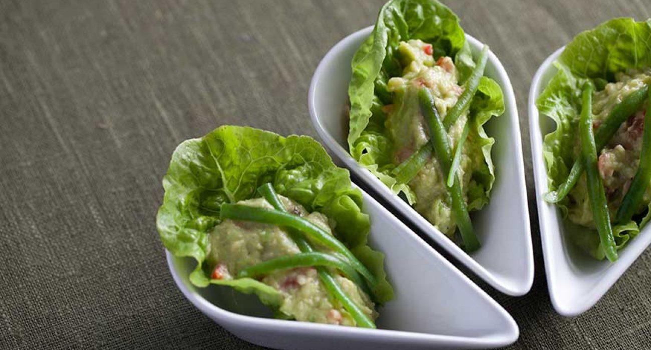 Hjertesalat-med-avokadokrem-og-aspargesbønner-1