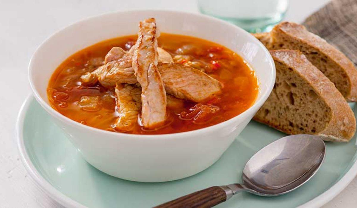 Hot-linsesuppe-med-strimlet-svinekjøtt-2
