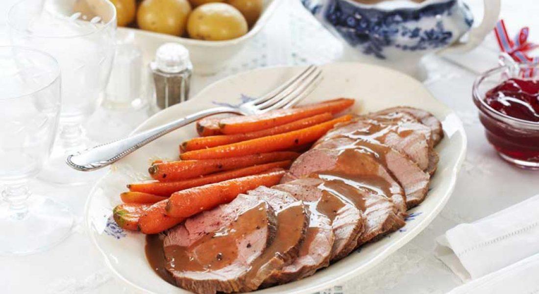 Kalvestek med glaserte gulrøtter