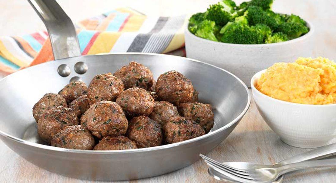 Kjøttboller-med-brokkoli-og-søtpotetmos-1