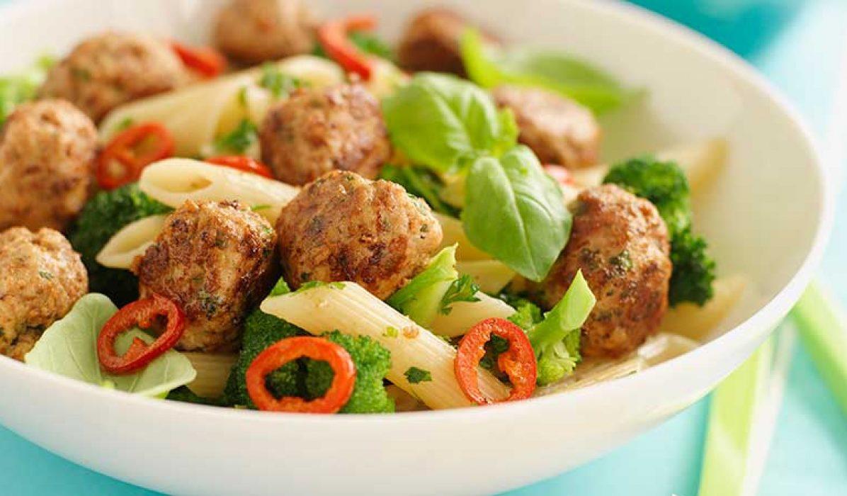 Kjøttboller-med-pasta-2
