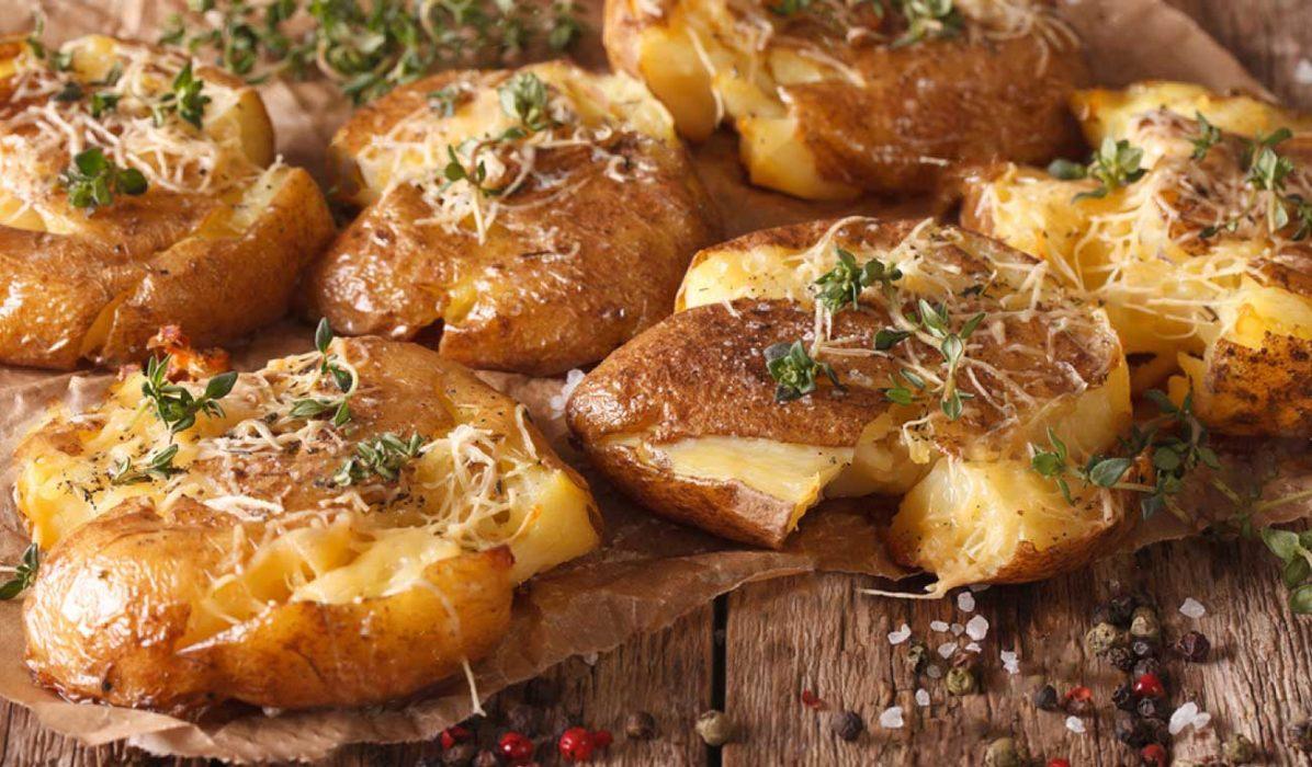Knuste-poteter-med-parmesan