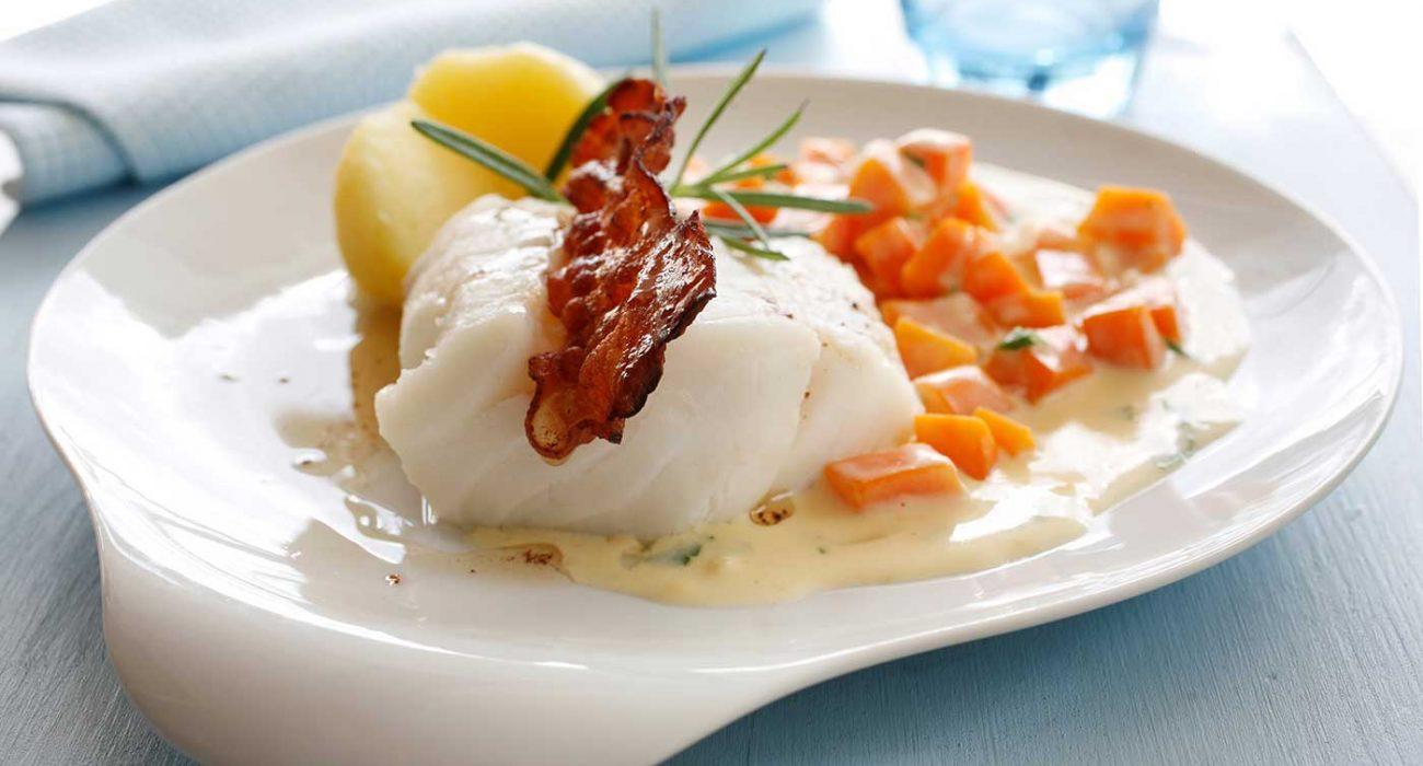 Kokt-fersk-fisk-med-gulrotstuing1