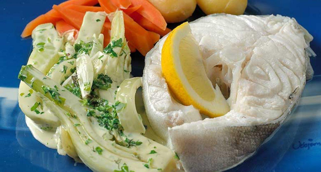 Kokt-skrei-med-fennikel-stuing-og-gulrerøtter-1