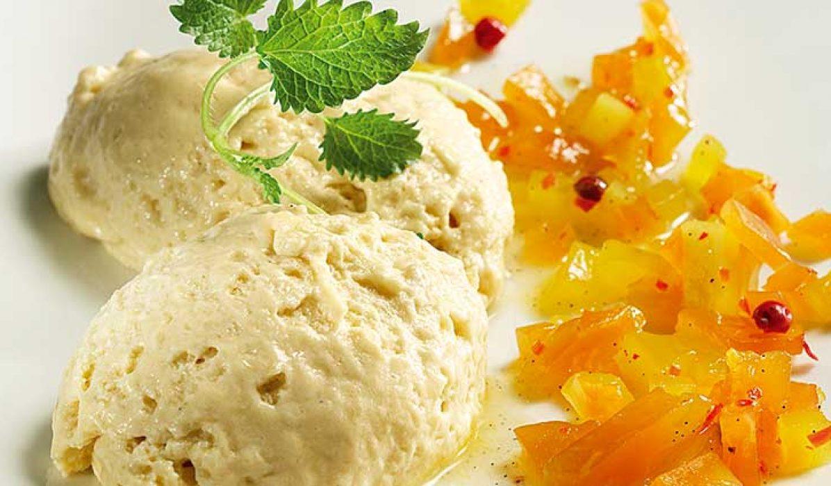 Konjakk-fromasj-med-mango-og-papayachutney-1