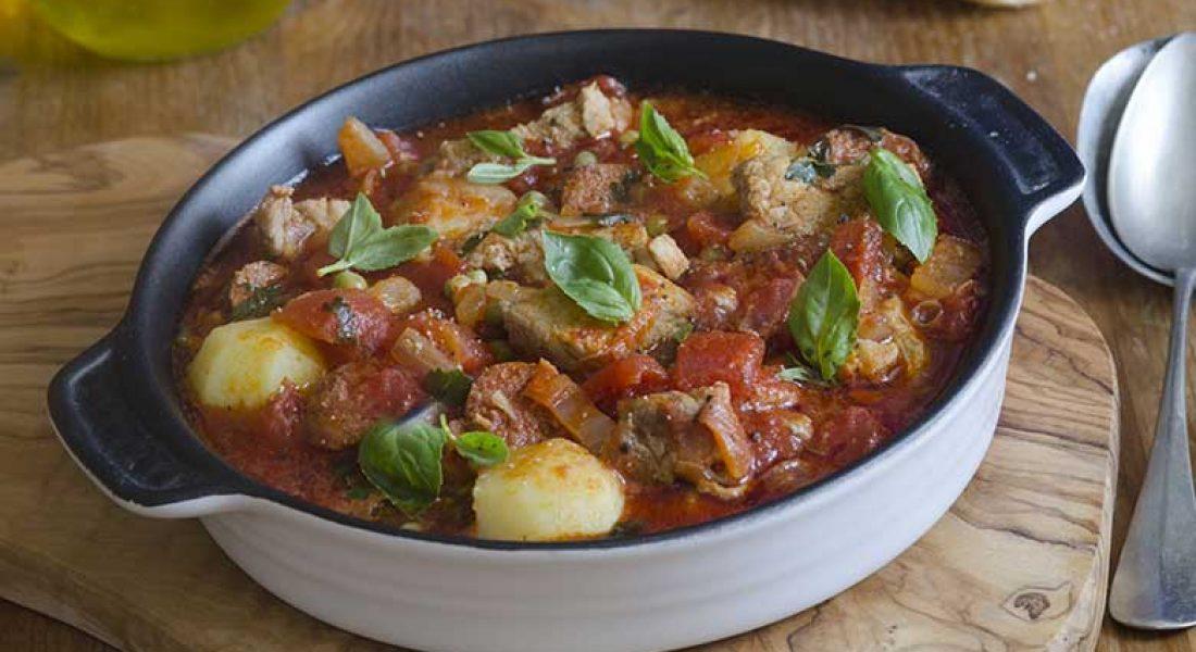 Lam-og-poteter-i-tomatsaus1-1