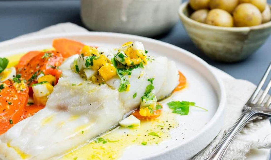 Lettsaltet torsk med eggesmør og gulrot