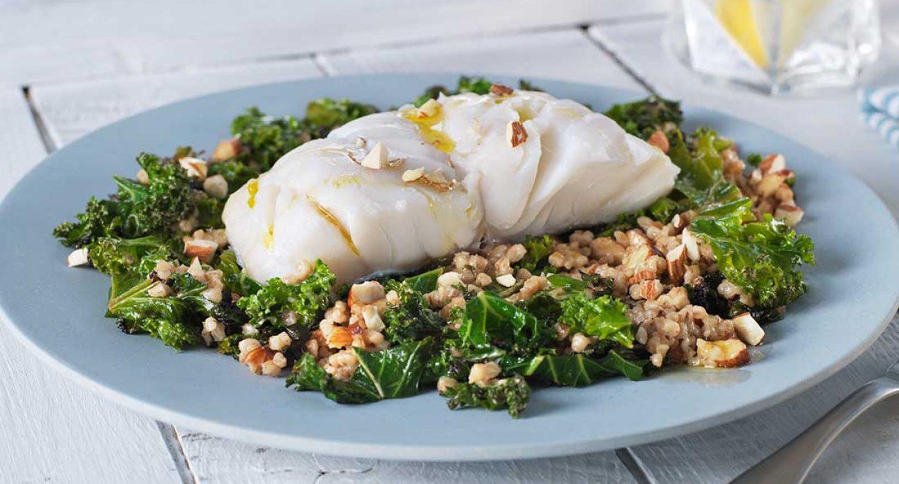 Lettsaltet torsk med grønnkal og byggris