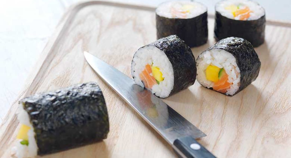 Maki sushi med laks