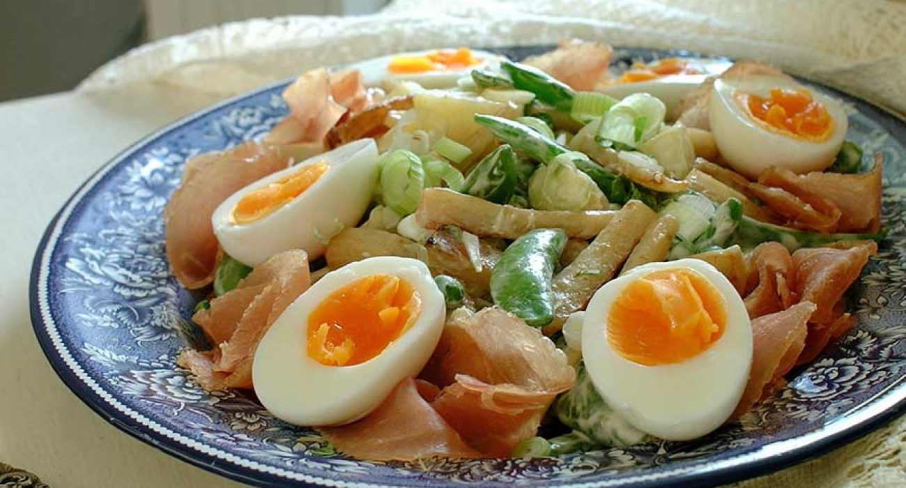 Middagssalat-med-egg