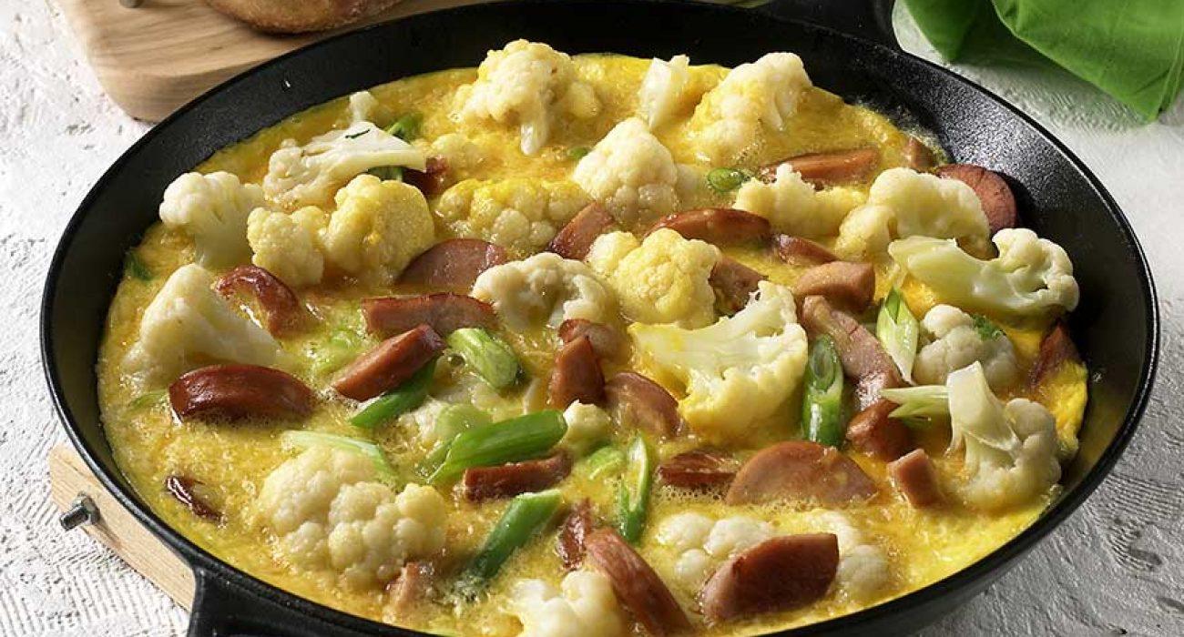 Omelett med blomkål og purre
