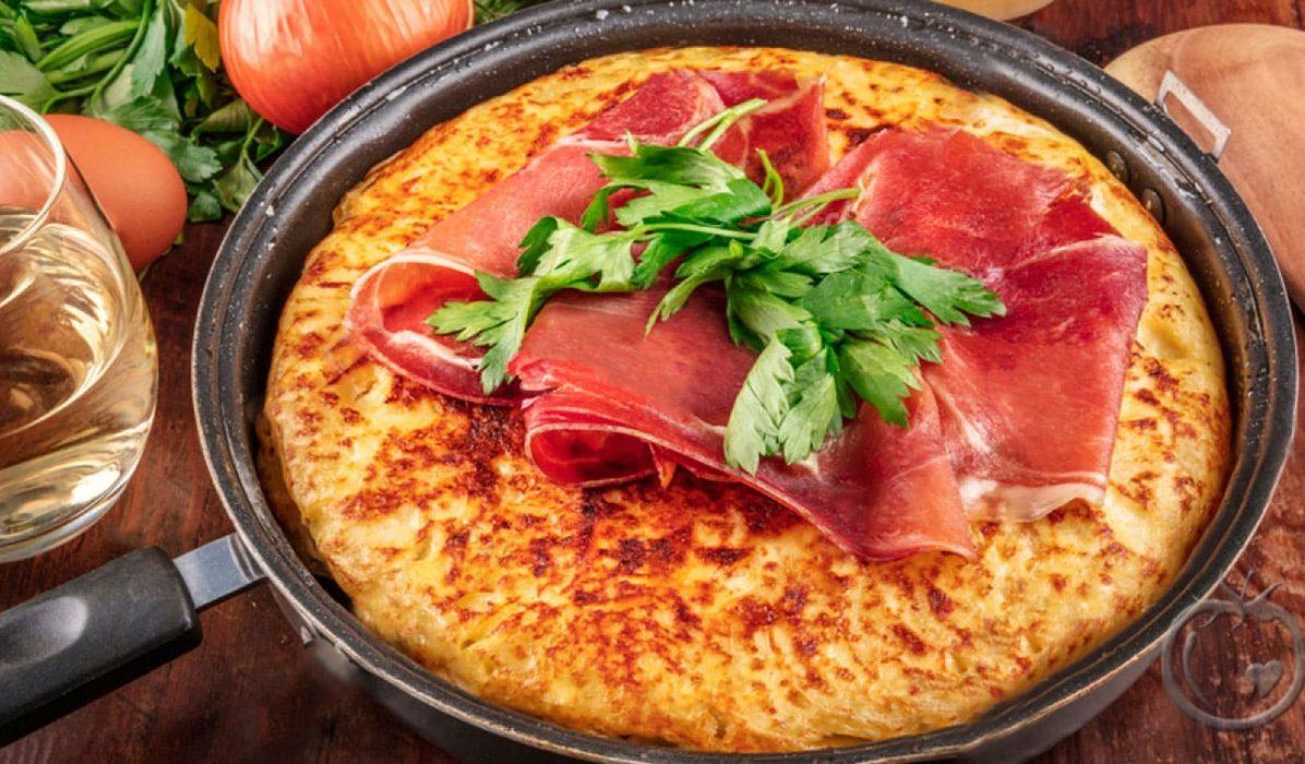 Omelett med spekeskinke