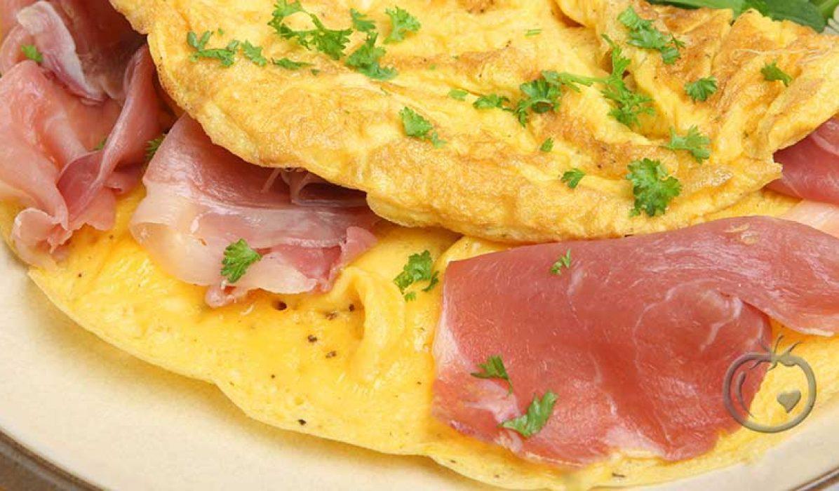 Omelett med spekeskinke og persille