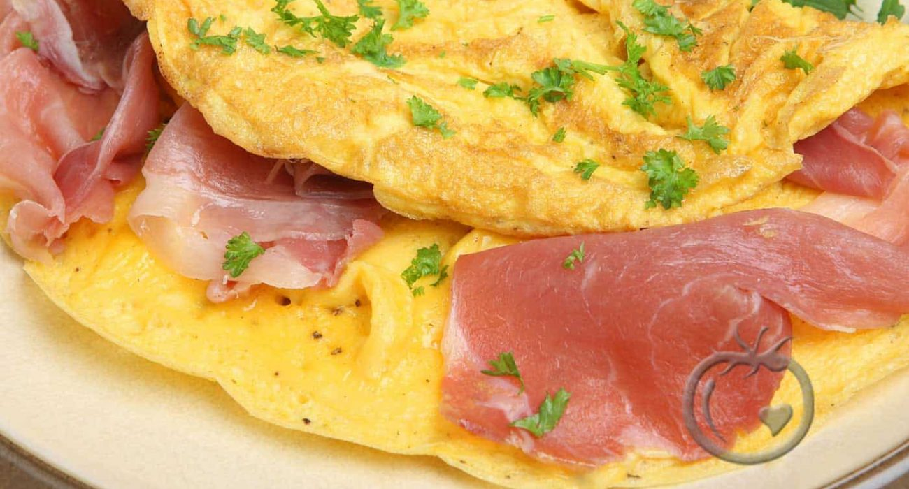 Omelett-med-spekeskinke-og-persille1