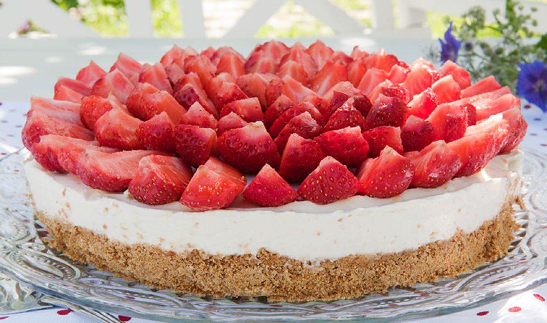 Ostekake-med-jordbær-1