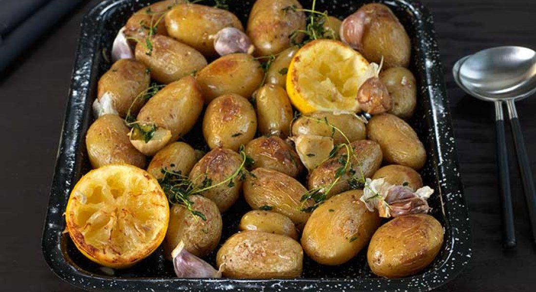 Ovnsbakte-poteter-med-sitron-og-timian-1