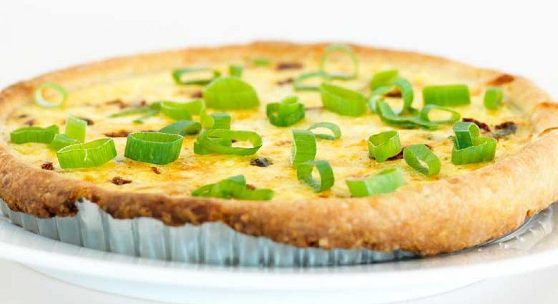 Pai-med-vårløk-og-ost