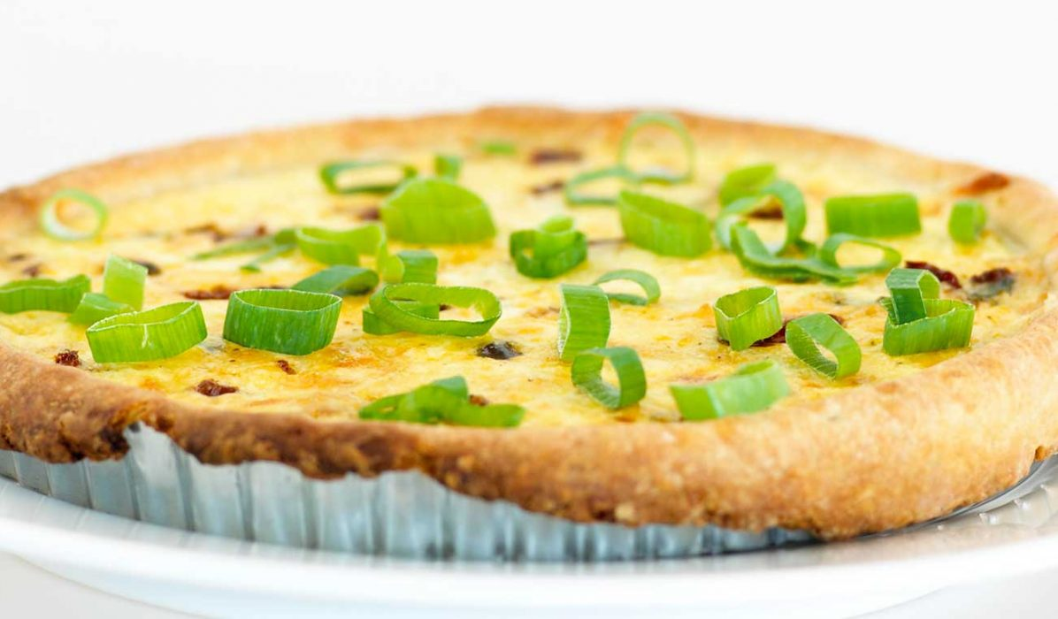 Pai med vårløk og ost