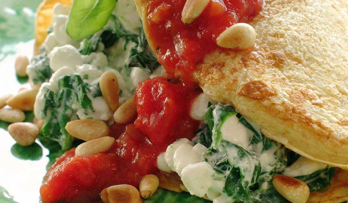 Pannekaker-med-spinatfyll-og-tomatsalsa0