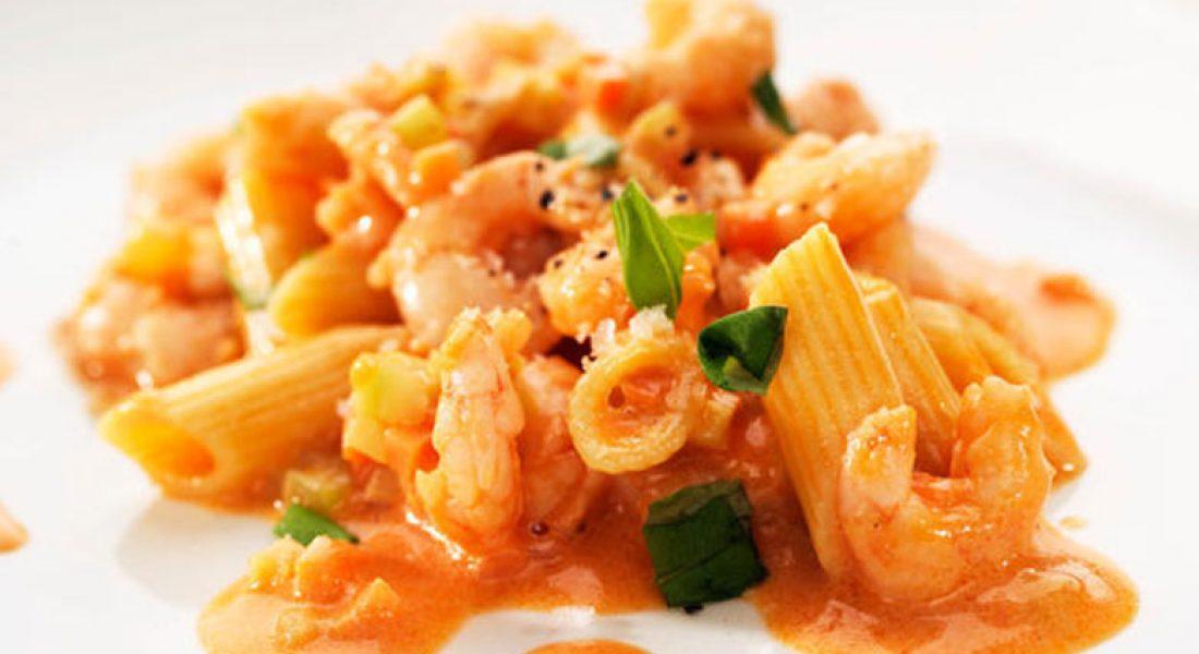 Pasta-med-reker-tomater-og-crème-fraiche-1
