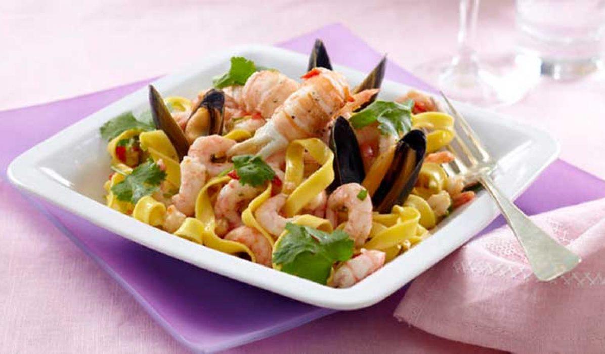 Pasta-med-skalldyr-og-chilidressing-1