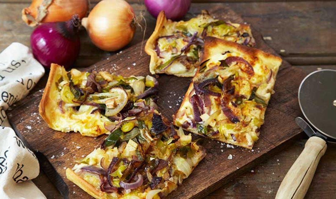 Pizza_bianca_med_løk_og_epler