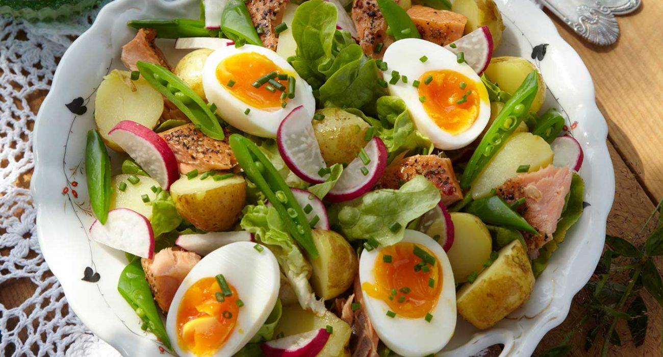Potetsalat-med-aspargesbonner-og-egg