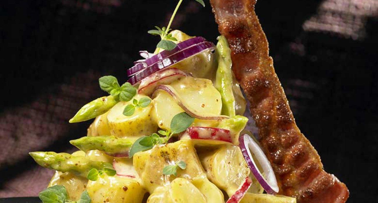 Potetsalat-med-sennep-redikker-og-bacon-2