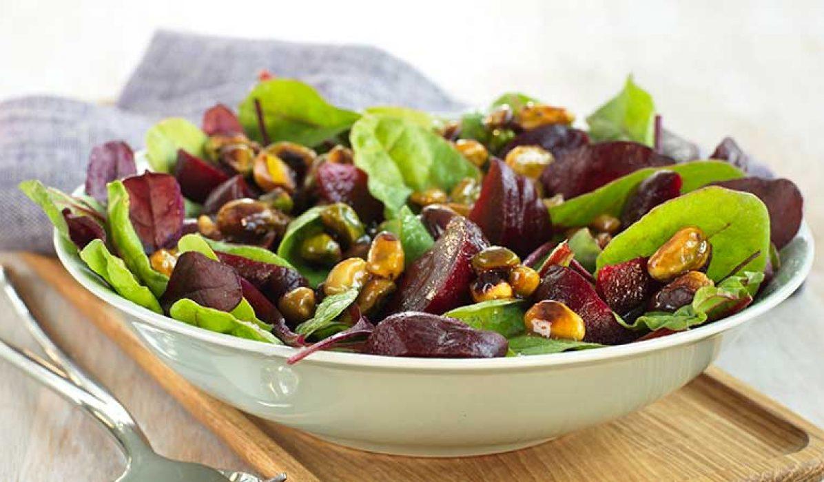 Salat-med-rødbeter-og-glaserte-nøtter-1