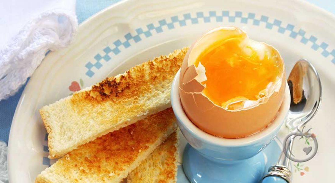 Smilende egg med soldater