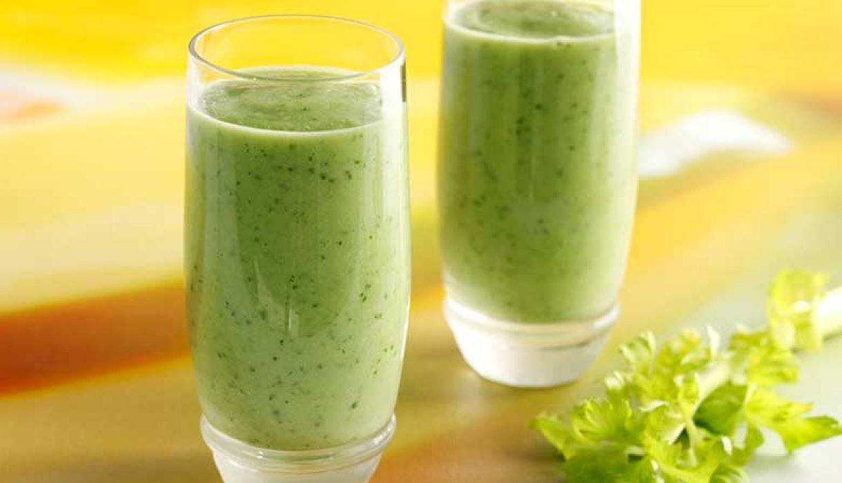 Smoothie-med-avokado-og-hasselnøtter-1