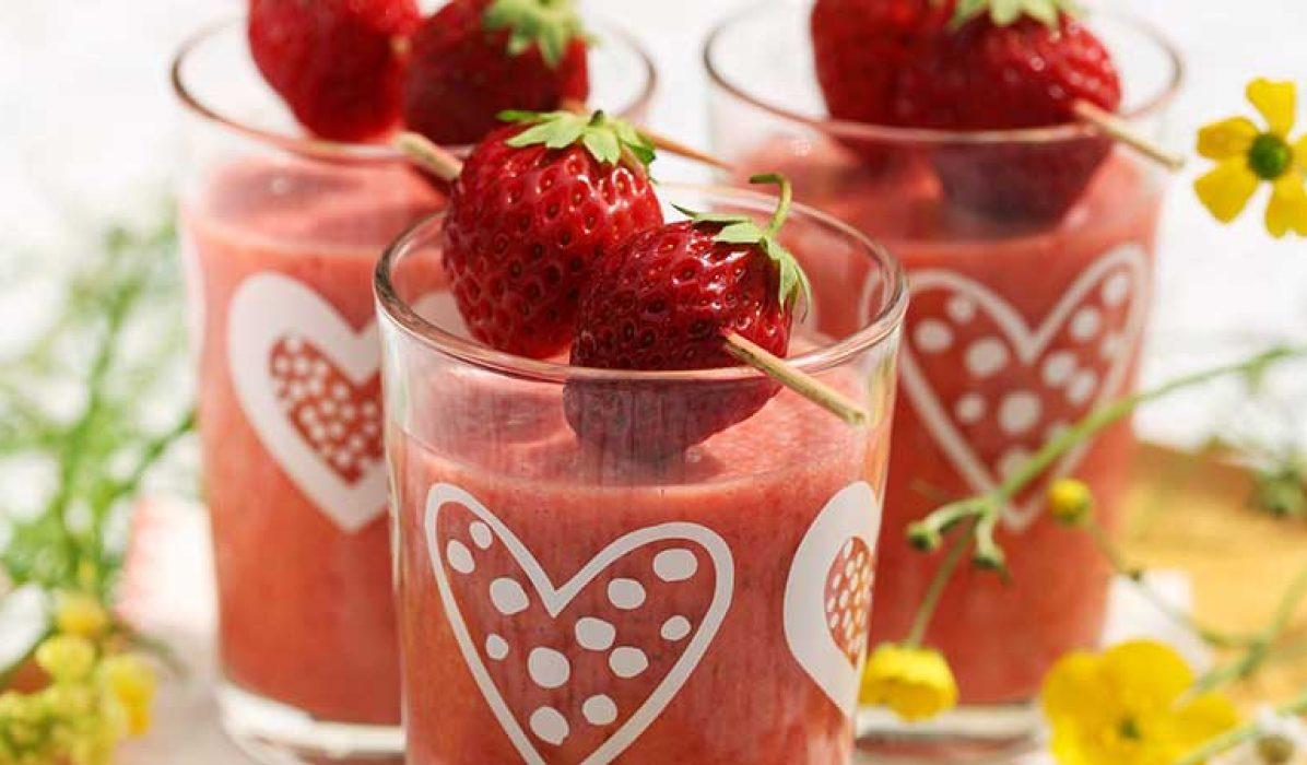Smoothie-med-jordbær-lime-og-kokos-1