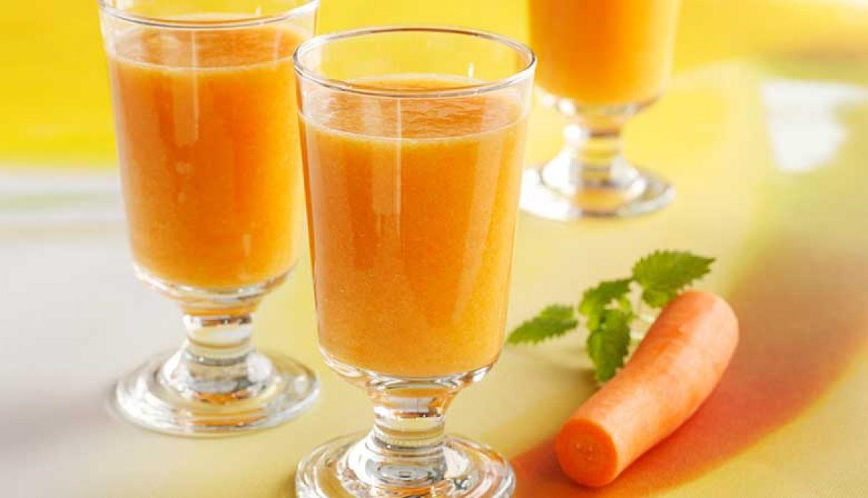 Smoothie-med-mango-og-gulrot-1