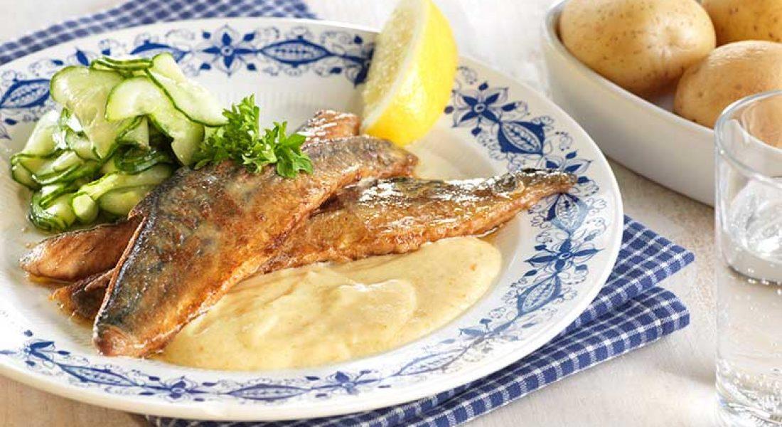 Stekt-makrell-med-rømmesaus