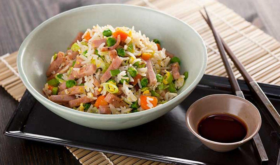 Stekt ris med kalkunskinke