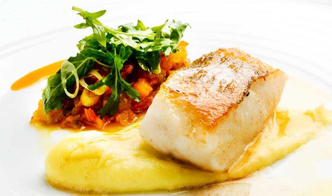 Stekt-torsk-med-potet-aioli-og-tomatsalsa-1