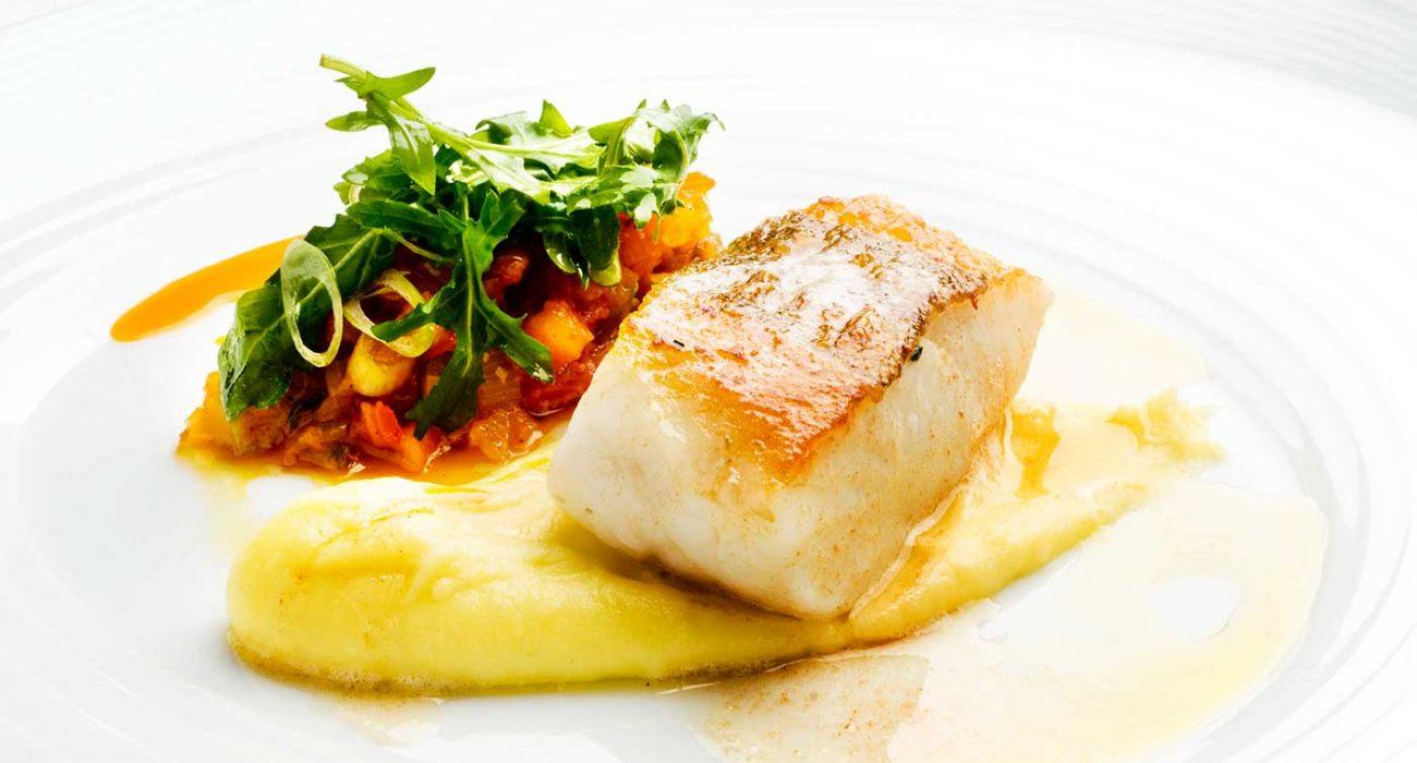 Stekt-torsk-med-potetaioli-og-tomatsalsa