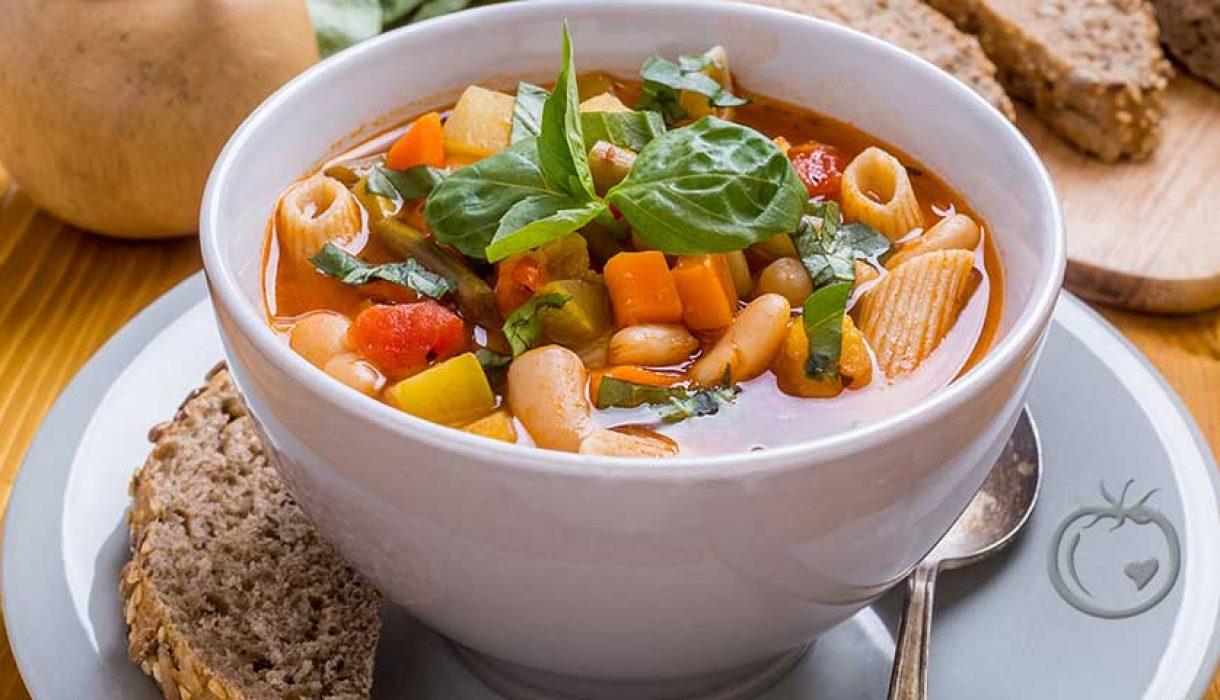 Suppe med pasta og bønner