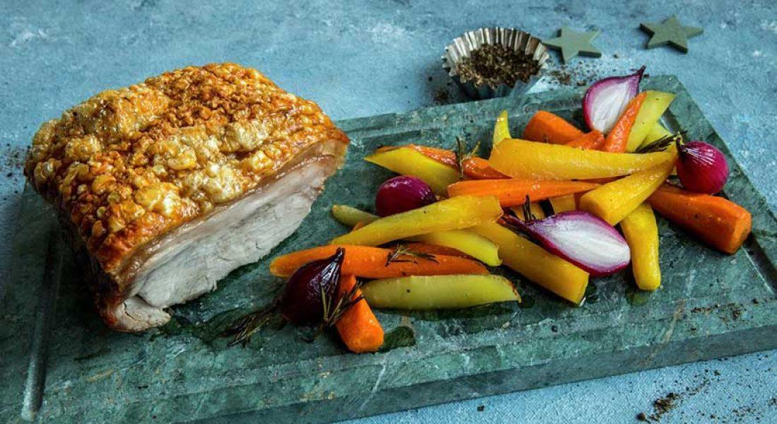 Svinekam-med-ovnsbakte-gulrøtter