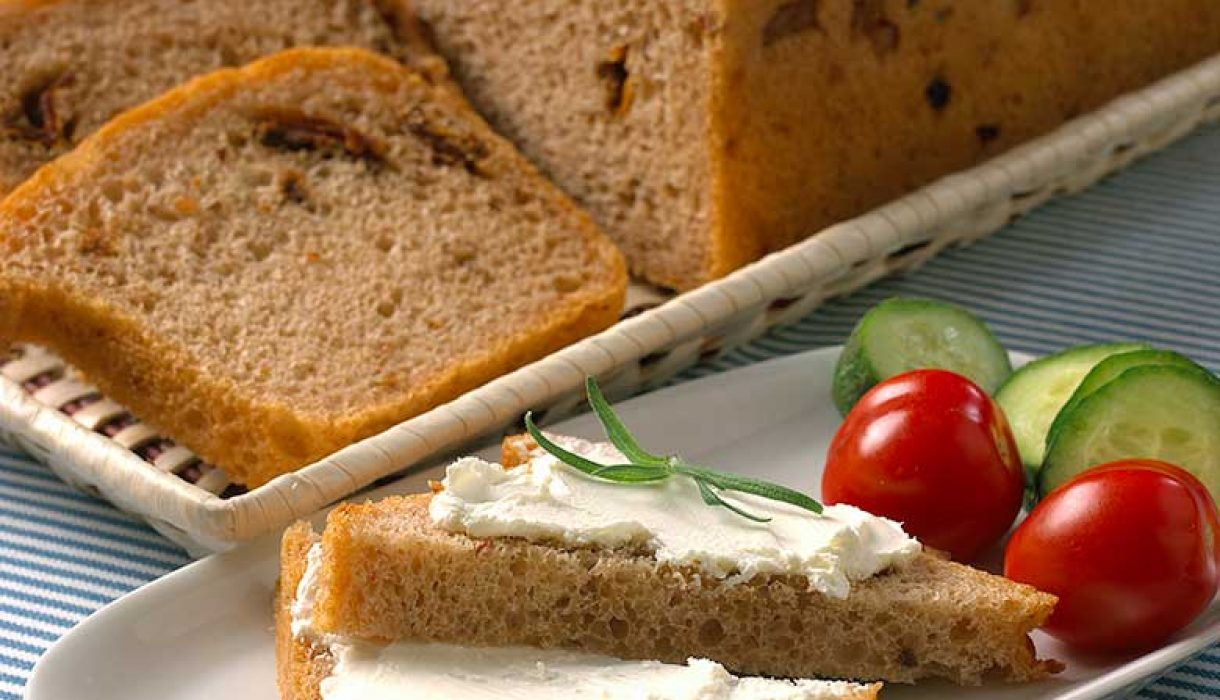 Tomat-og-valnøttbrød-1