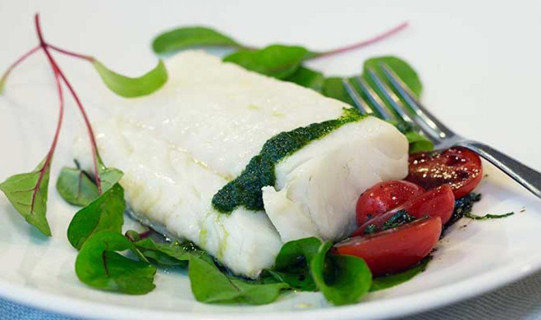 Trøffelmarinert-skrei-med-tomatsalat-og-urteolje-1